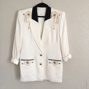 Jackets & Blazers - Vintage oversized blazer with gold accents